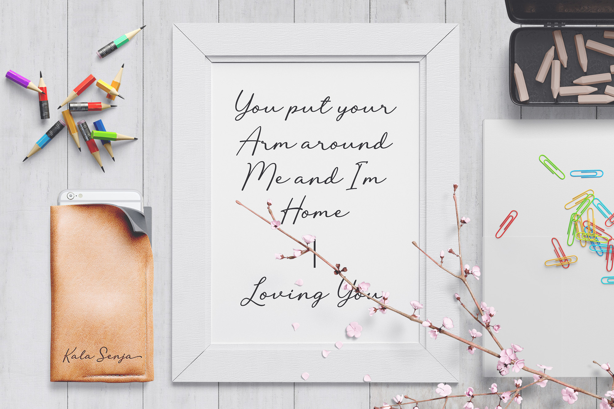 Lovely Flowers Signature Font